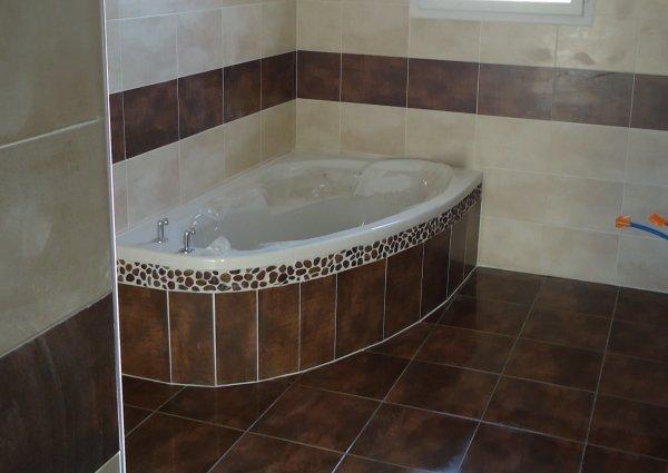 fa ence salle de bain termin l 39 histoire de notre maison. Black Bedroom Furniture Sets. Home Design Ideas
